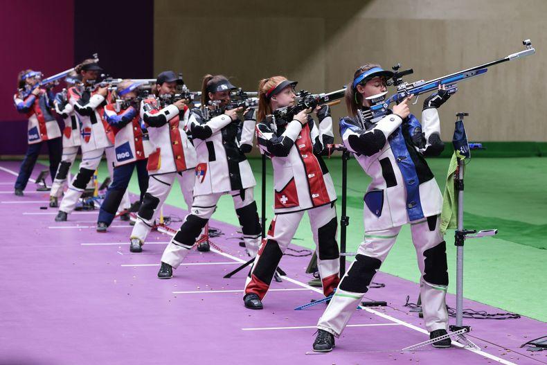 Foto: Picture Alliance / Acht Weltklasse-Athletinnen im Finale, unter ihnen Jolyn Beer (vierte von rechts).